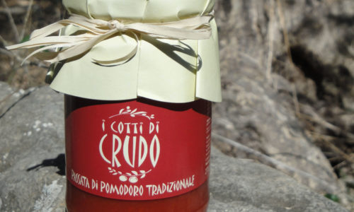 Traditional tomato puree
